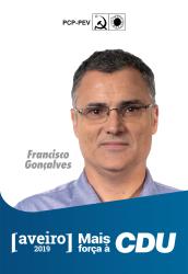 5º - Francisco Gonçalves, 48 anos, Professor do Agrupamento de Escolas de Arouca, membro da Comissão Executiva do Sindicato dos Professores do Norte, do Conselho Nacional da FENPROF e da Comissão Executiva da União de Sindicatos de Aveiro. Membro da Comissão Concelhia de Arouca, da Direcção Regional de Aveiro do PCP e do seu executivo.