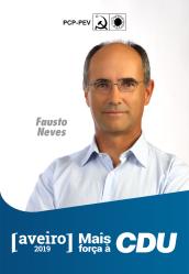 """6º - Fausto Neves, 62 anos. Pianista, professor universitário, investigador. Maestro do Coro """"Amigos da Música"""". Membro da Comissão Concelhia de Espinho, assim como da Direcção Regional de Aveiro do PCP e do seu executivo."""